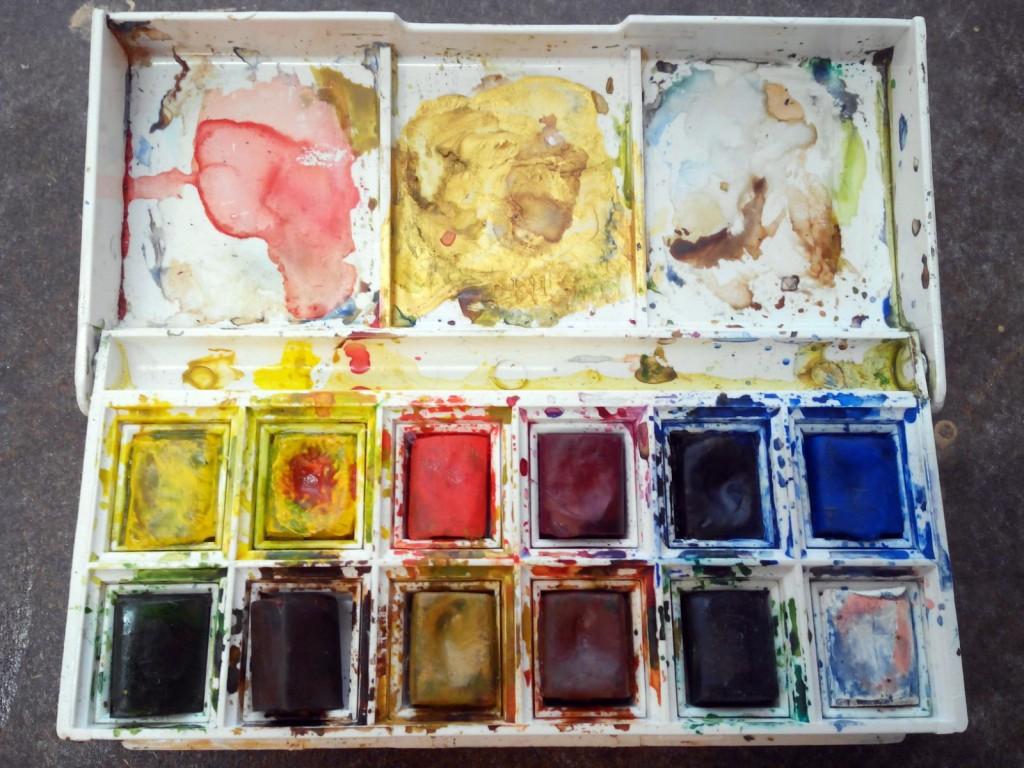 Paleta de caja de acuarelas W&N mi preferida, es la que se describe salvo que no tiene negro, el negro por norma general es un color que hay que utilizar con mucho cuidado y en acuarela podemos prescindir de el al igual que el blanco que puede ser prescindible en acuarela.