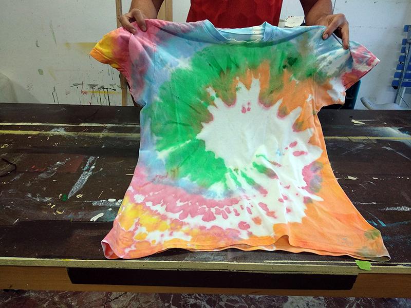 tinte camisetas hippies | viviendo el arte